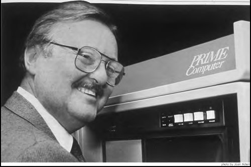 Figure 4.2 Indexing pioneer Bill Fouse with the Prime minicomputer used to run the first index fund. This machine has less computational power than a mid-range high-end digital watch of 2008.